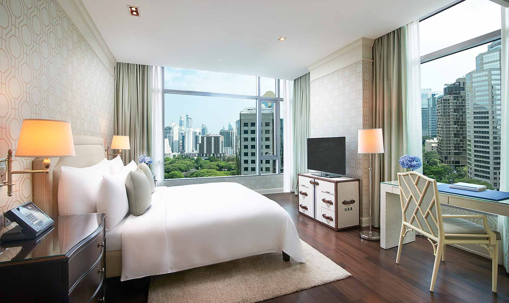 Master bedroom in Two Bedroom Suite - Oriental Residence Bangkok