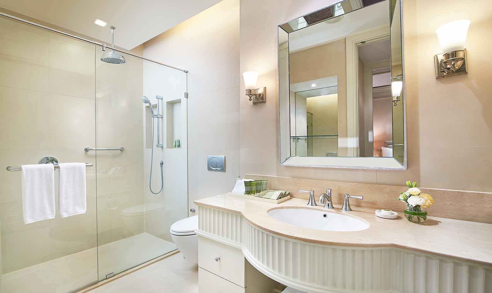 En-suite bathroom of second bedroom in Two Bedroom Suite - Oriental Residence Bangkok